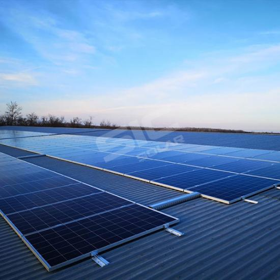 Solar railless mounting system for metal roof